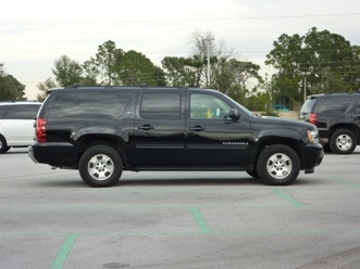 Chevrolet Suburban Alamo 8 Seater Suv